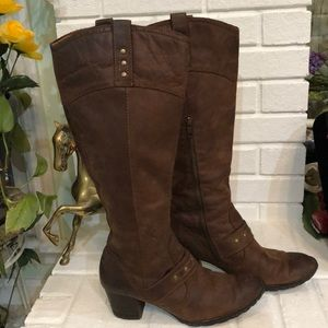 Born leather boots 7 1/2